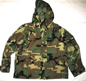 US MILITARY ECWCS GORE TEX COLD WEATHER WOODLAND CAMOUFLAGE PARKA - LARGE SHORT