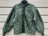 Genuine 1969 US Air Force USAF Flyers CWU-9/P Quilted Liner Jacket - X-Large.